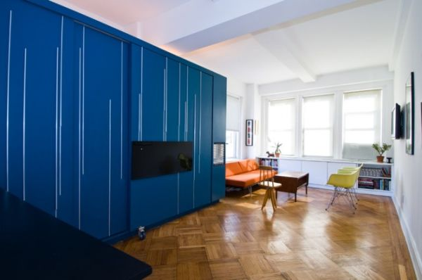 9-AD-450 sq ft Manhattan apartment with a hidden bed