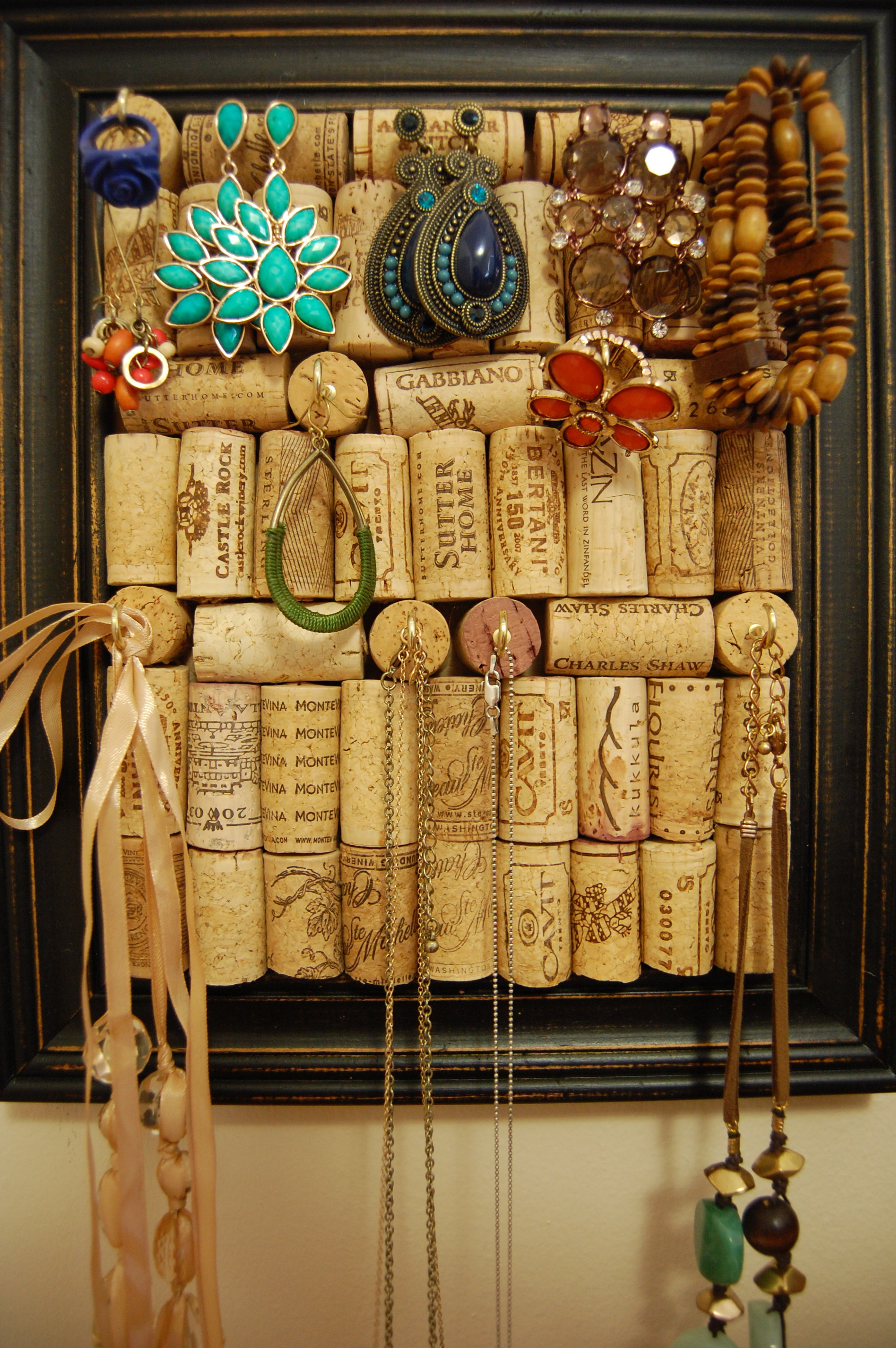 AD-DIY-Projects-You-Can-Do-With-Corks-32