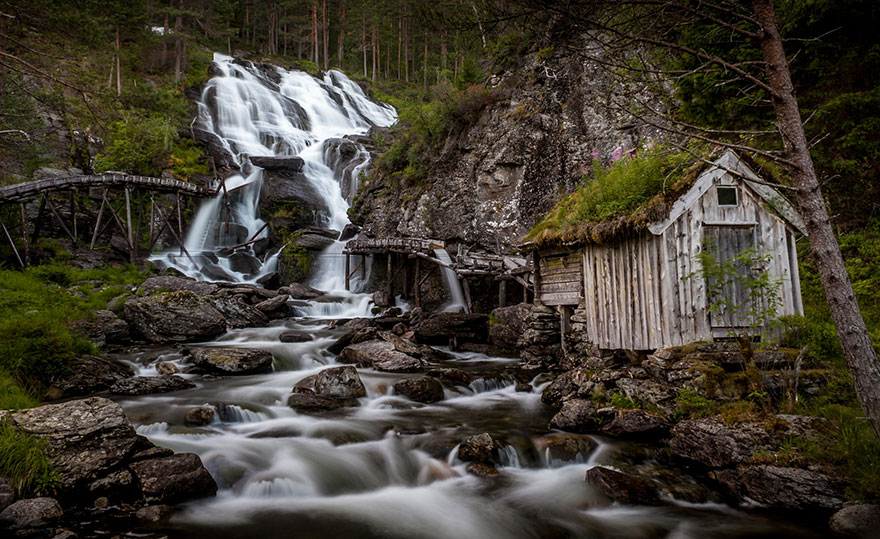 AD-Fairy-Tale-Viking-Architecture-Norway-07