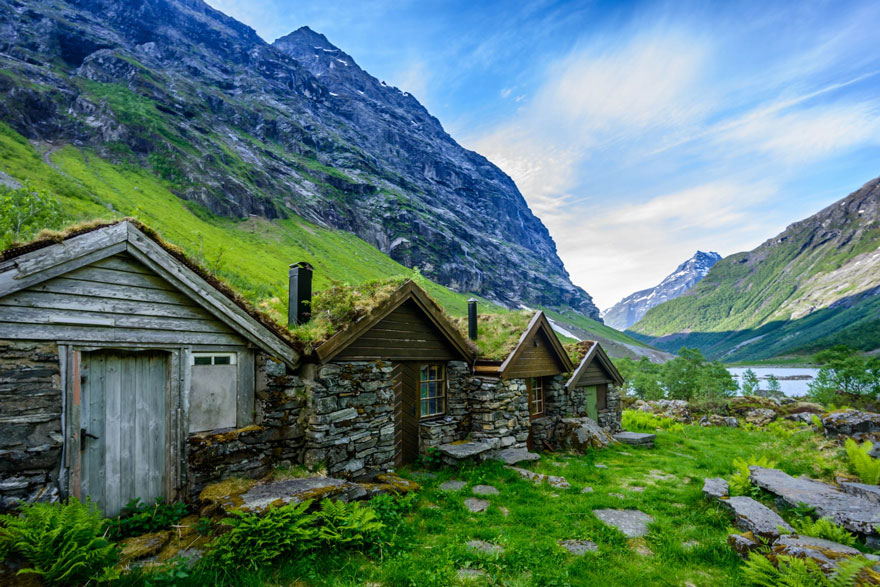 AD-Fairy-Tale-Viking-Architecture-Norway-13