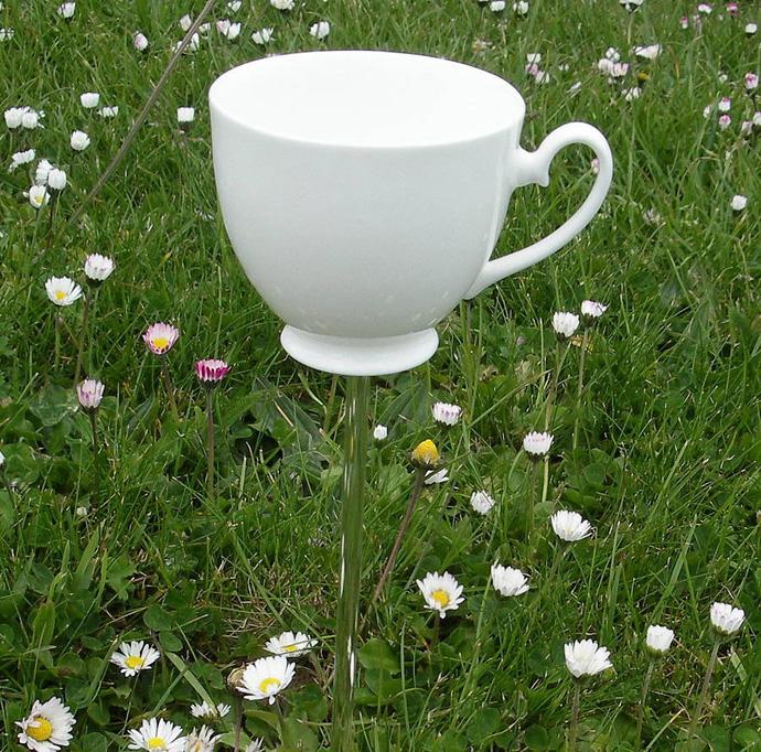 AD-Ideas-How-To-Reuse-Tea-Cup-Artistically-21