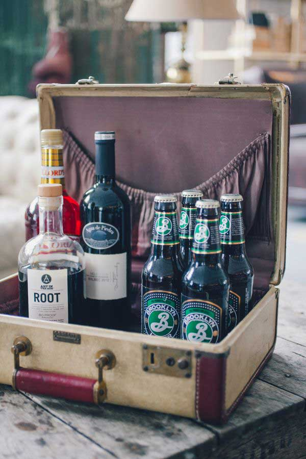 AD-Old-Suitcases-Decor-11