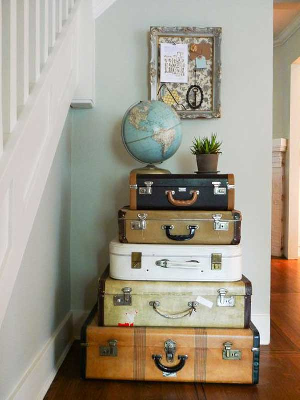30 fabulous diy decorating ideas with repurposed old suitcases architecture design. Black Bedroom Furniture Sets. Home Design Ideas