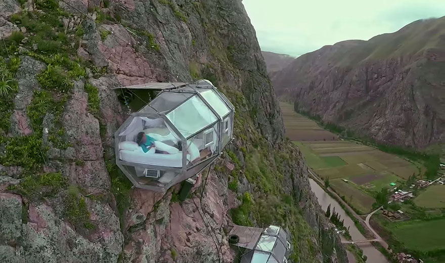 AD-Scary-See-Through-Suspended-Pod-Hotel-Peru-Sacred-Valley-1