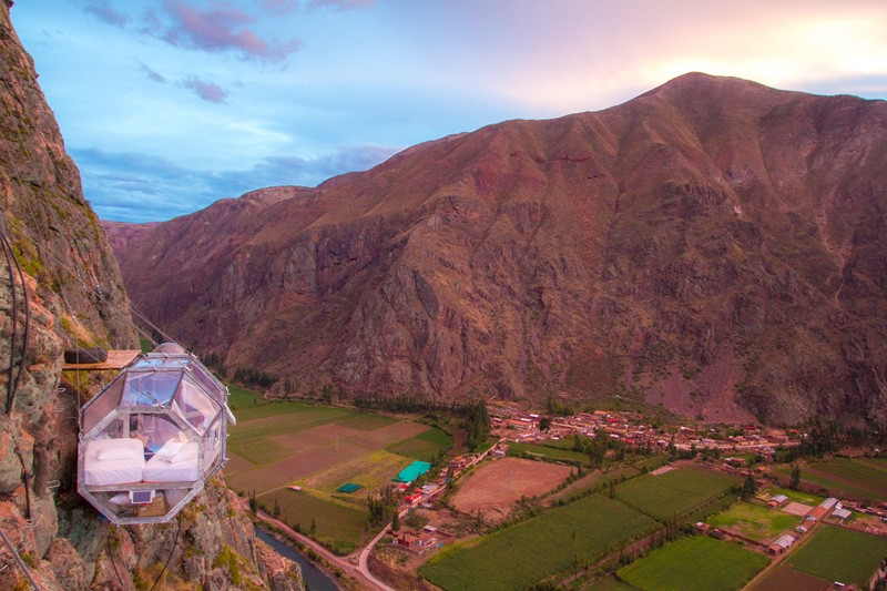 AD-Scary-See-Through-Suspended-Pod-Hotel-Peru-Sacred-Valley-2-4