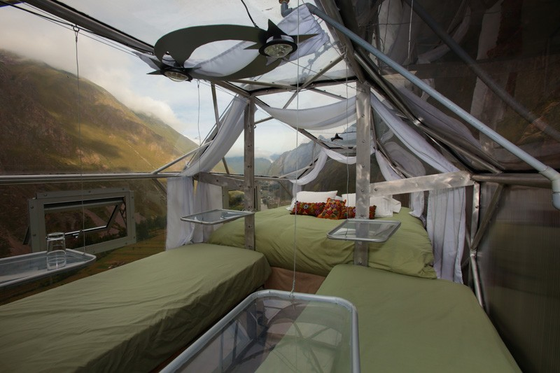 AD-Scary-See-Through-Suspended-Pod-Hotel-Peru-Sacred-Valley-7-1