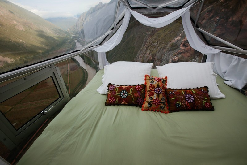 AD-Scary-See-Through-Suspended-Pod-Hotel-Peru-Sacred-Valley-7-2