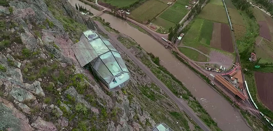 AD-Scary-See-Through-Suspended-Pod-Hotel-Peru-Sacred-Valley-8