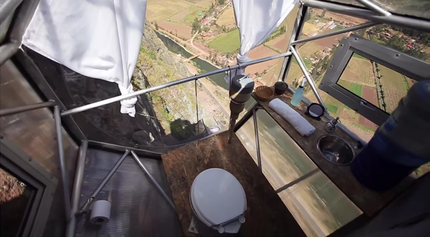 AD-Scary-See-Through-Suspended-Pod-Hotel-Peru-Sacred-Valley-9
