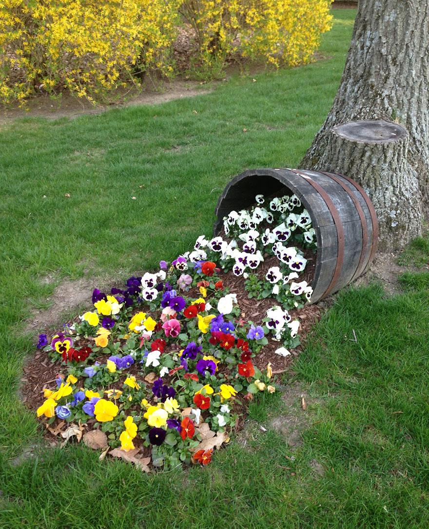 AD-Spilled-Flowers-Garden-Ideas-11
