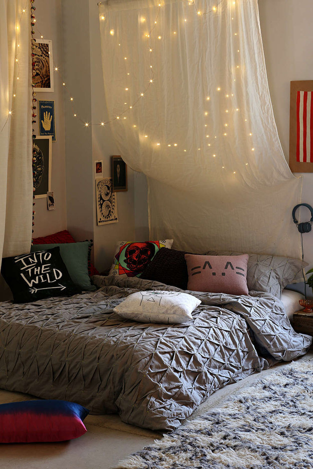 AD-Ways-To-Make-Your-Bed-The-Coziest-Place-On-Earth-01