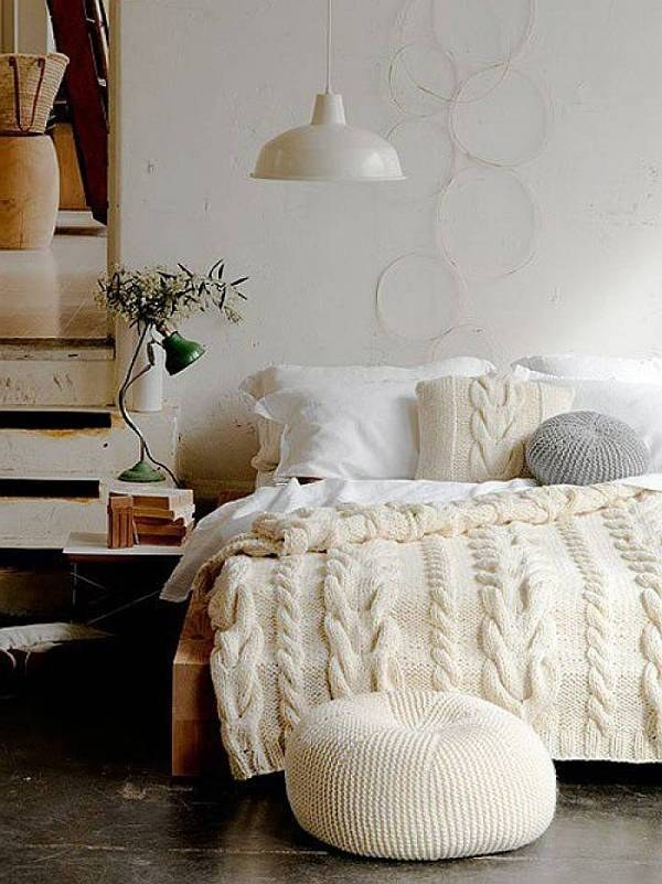 AD-Ways-To-Make-Your-Bed-The-Coziest-Place-On-Earth-02