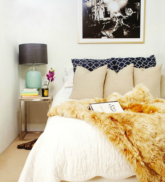 AD-Ways-To-Make-Your-Bed-The-Coziest-Place-On-Earth-06