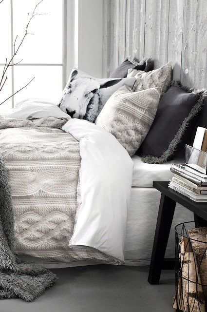 AD-Ways-To-Make-Your-Bed-The-Coziest-Place-On-Earth-09
