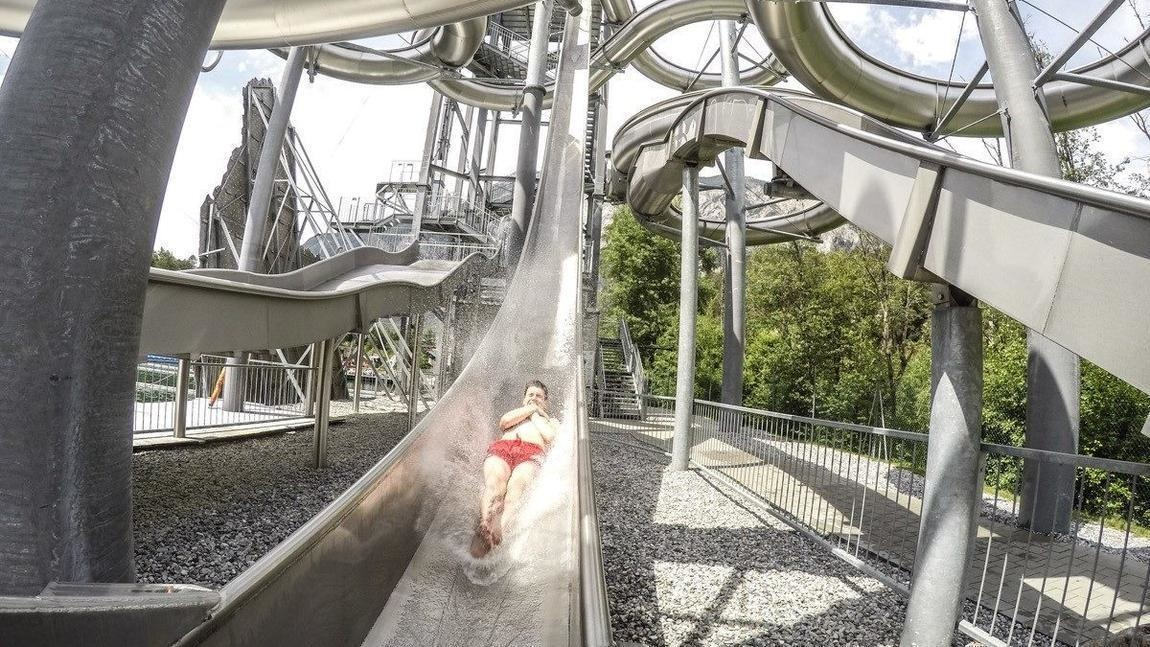 AD-World's-Scariest-Waterslides-11