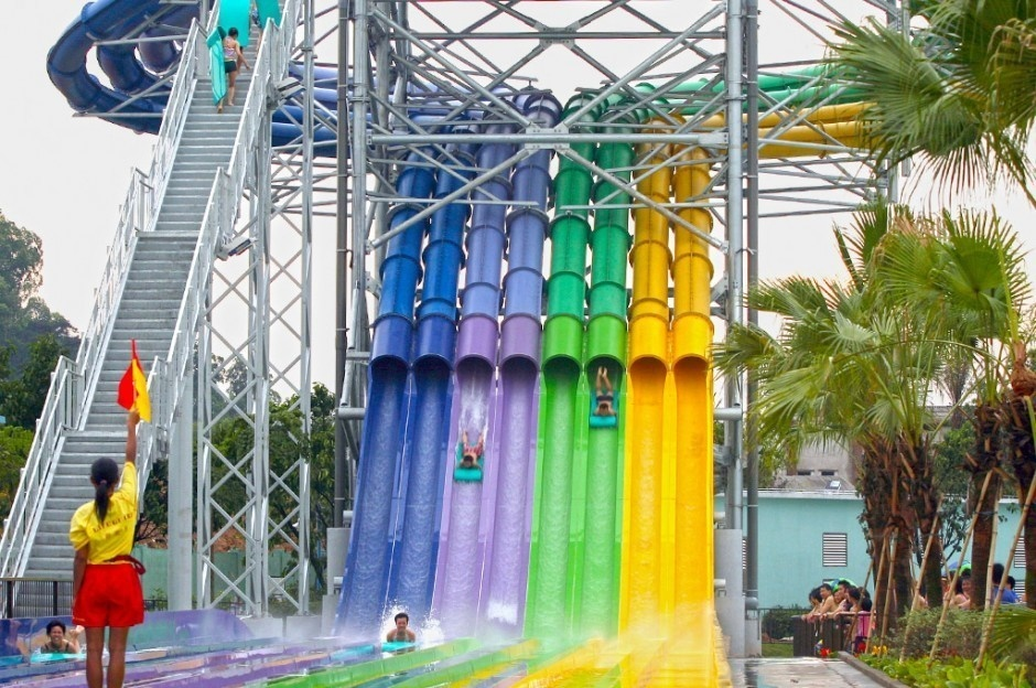 AD-World's-Scariest-Waterslides-12