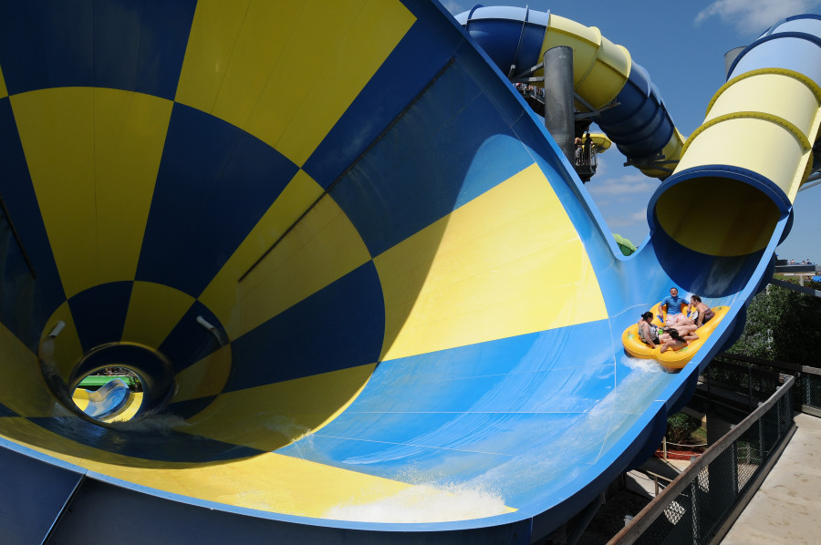 AD-World's-Scariest-Waterslides-14