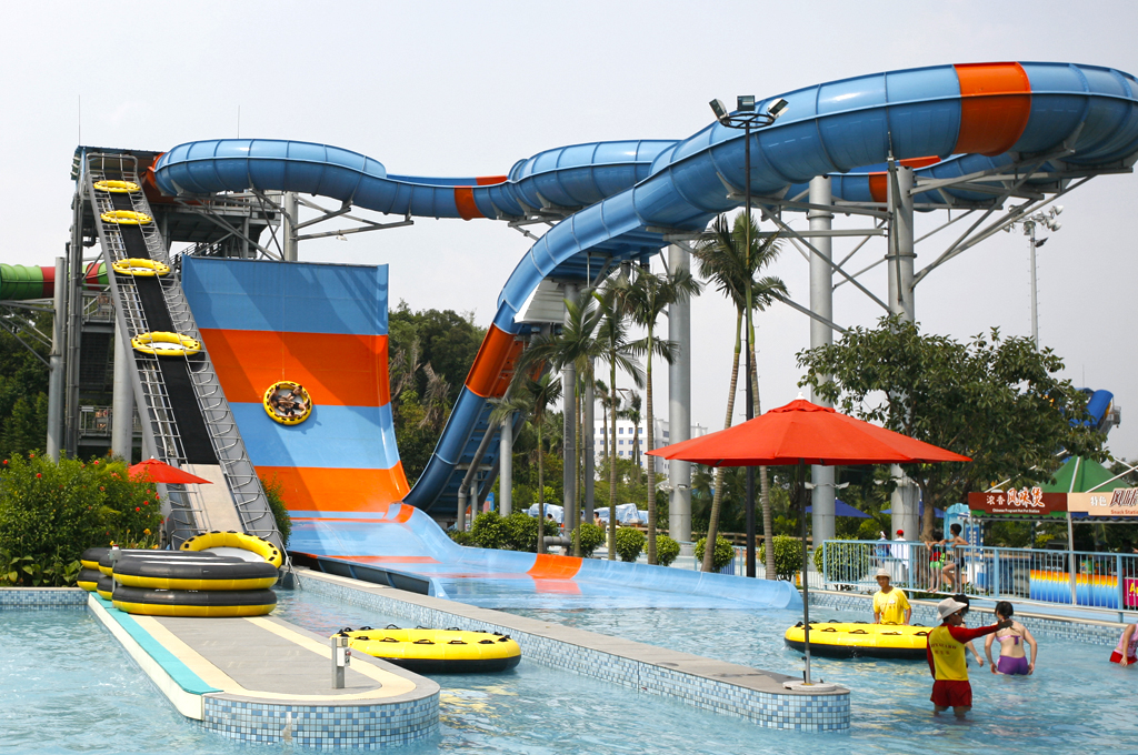 AD-World's-Scariest-Waterslides-16