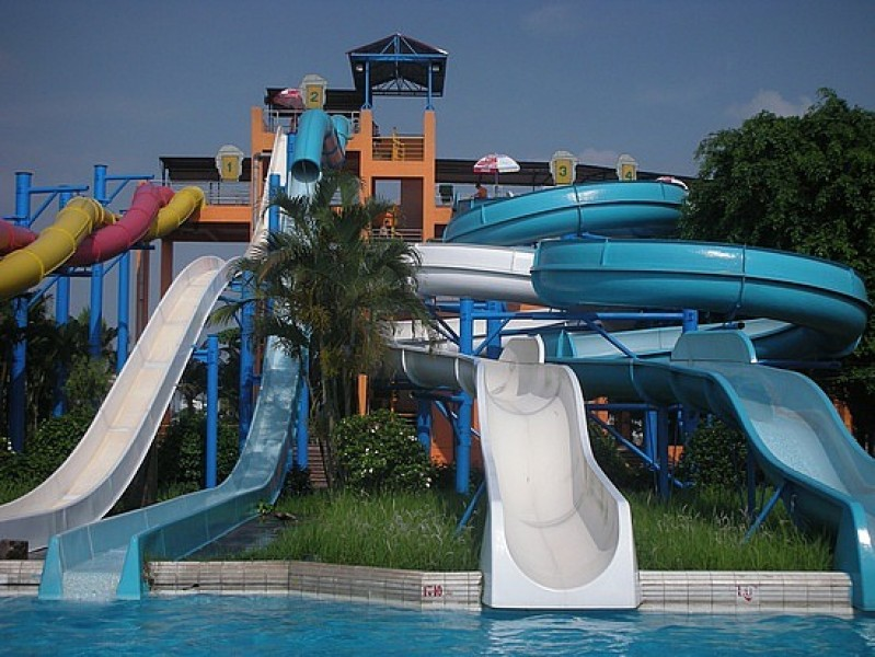 AD-World's-Scariest-Waterslides-17