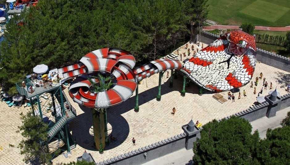 AD-World's-Scariest-Waterslides-21