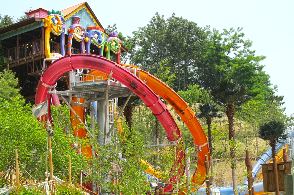 AD-World's-Scariest-Waterslides-25
