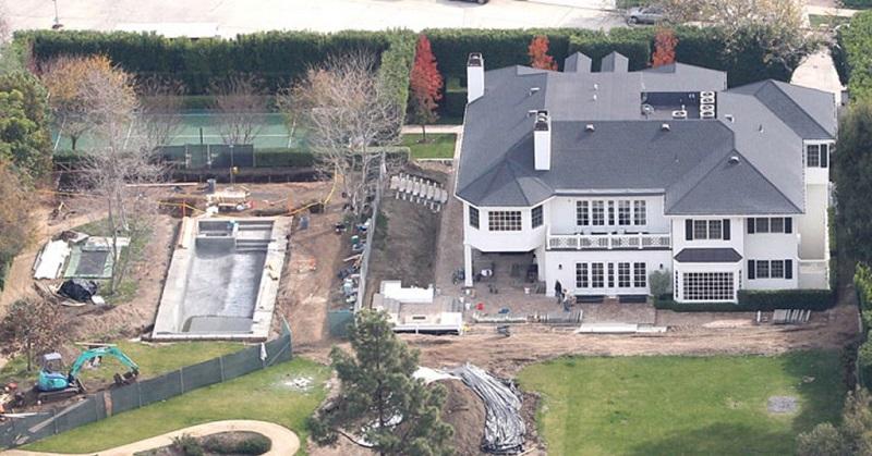 13-AD-Mansion-ConanOBrien