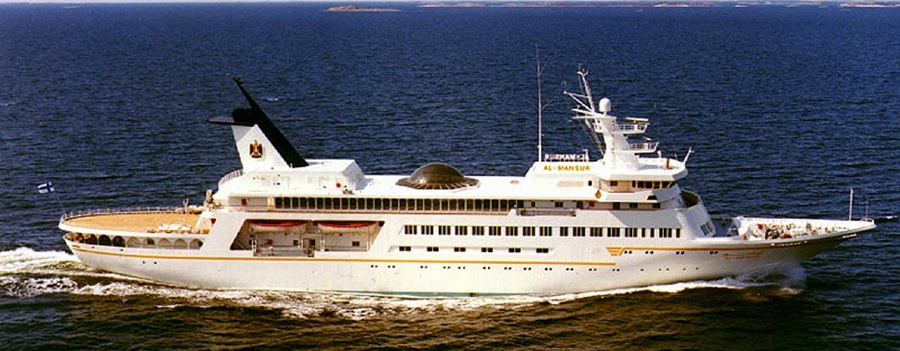 16-AD-Al-Mansur-Saddam-Hussein-Yacht