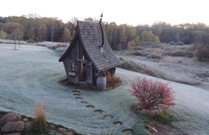 AD-Dan-Pauly-Builds-Rustic-Cabins-From-Reclaimed-Wood-04