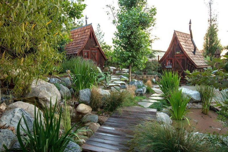 AD-Dan-Pauly-Builds-Rustic-Cabins-From-Reclaimed-Wood-10