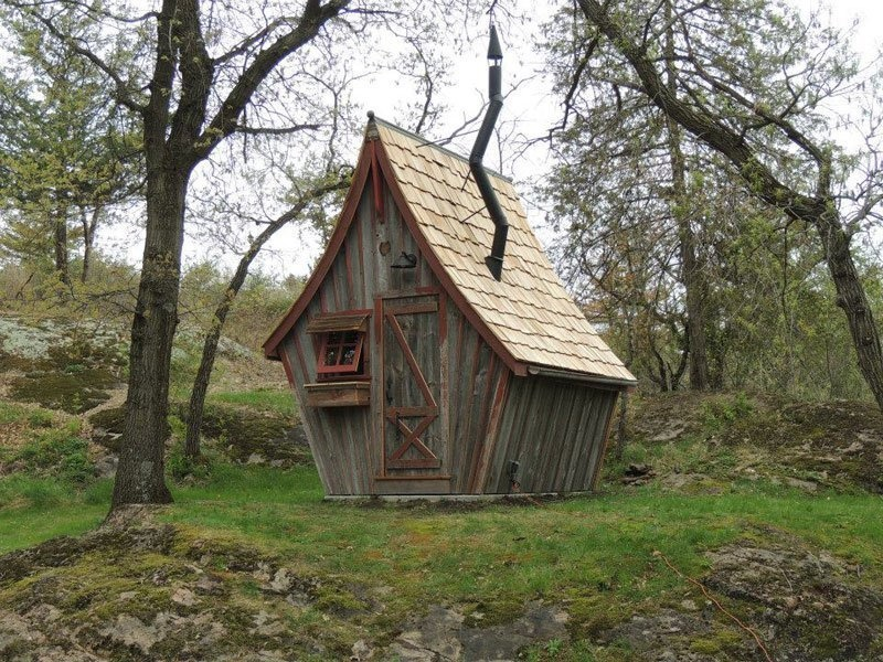 AD-Dan-Pauly-Builds-Rustic-Cabins-From-Reclaimed-Wood-15
