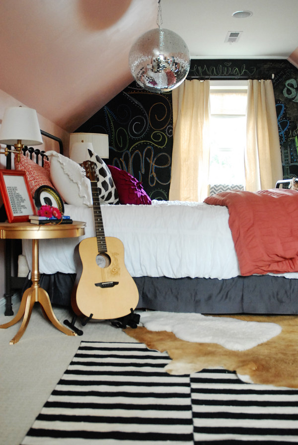 AD-Gorgeous-DIYs-For-Your-Teenage-Girl's-Room-15