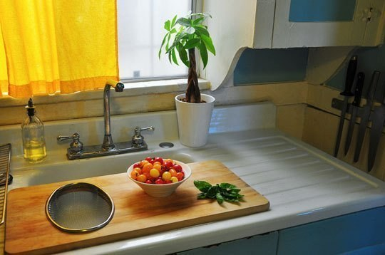 AD-Insanely-Clever-Ways-To-Organize-Your-Tiny-Kitchen-02