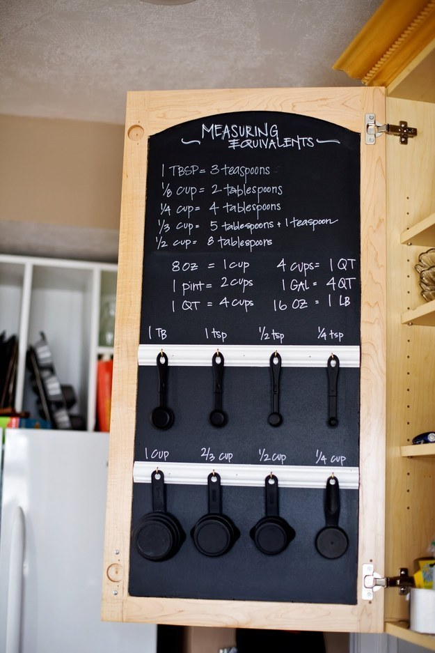 AD-Insanely-Clever-Ways-To-Organize-Your-Tiny-Kitchen-12