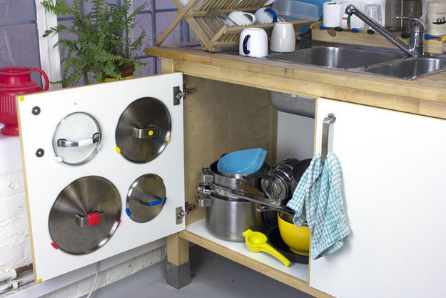 AD-Insanely-Clever-Ways-To-Organize-Your-Tiny-Kitchen-18