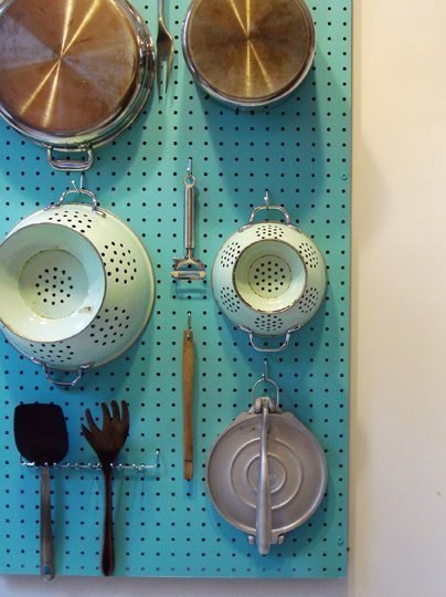 AD-Insanely-Clever-Ways-To-Organize-Your-Tiny-Kitchen-29