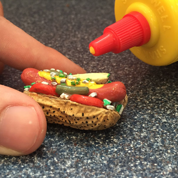 AD-Miniature-Peanut-Sculptures-Steve-Casino-07