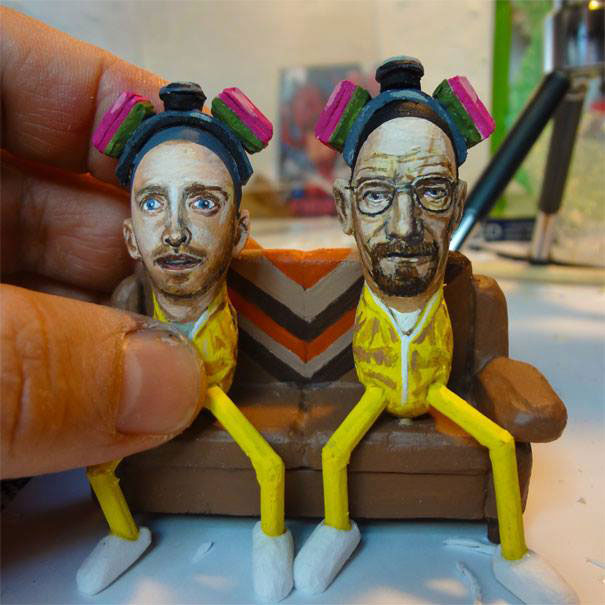 AD-Miniature-Peanut-Sculptures-Steve-Casino-08