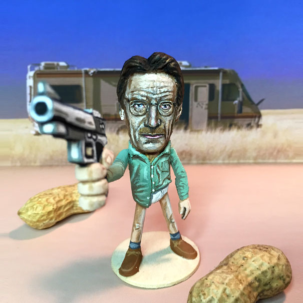 AD-Miniature-Peanut-Sculptures-Steve-Casino-12