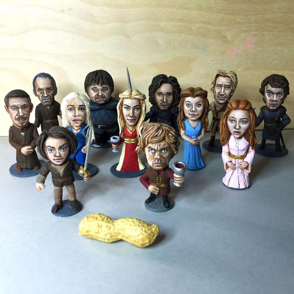 AD-Miniature-Peanut-Sculptures-Steve-Casino-15