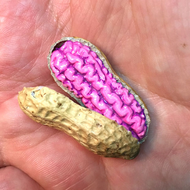 AD-Miniature-Peanut-Sculptures-Steve-Casino-22