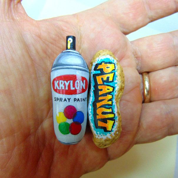 AD-Miniature-Peanut-Sculptures-Steve-Casino-24
