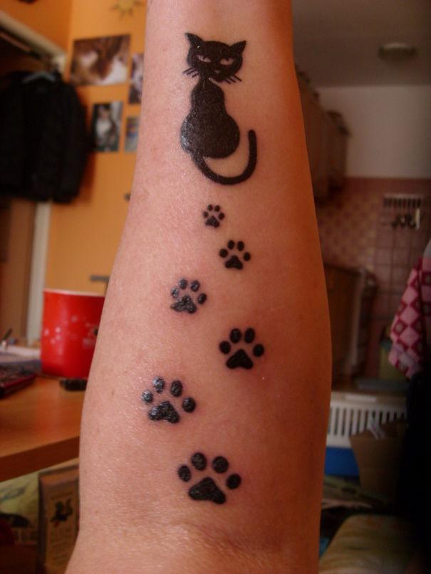 AD-Minimalistic-Cat-Tattoos-98