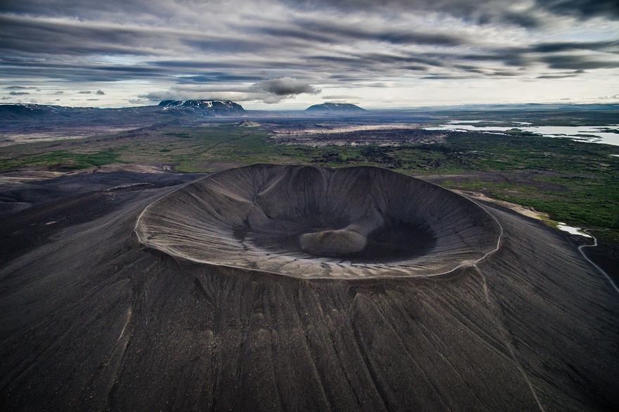 AD-Reasons-To-Visit-Iceland-With-A-Drone-02