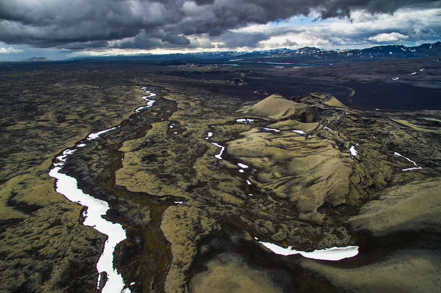 AD-Reasons-To-Visit-Iceland-With-A-Drone-04-1