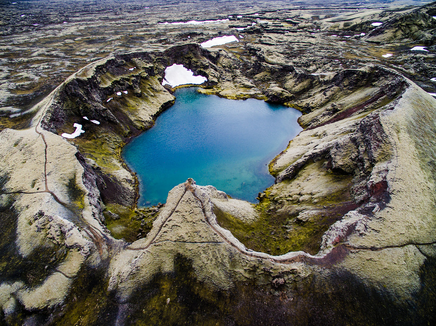 AD-Reasons-To-Visit-Iceland-With-A-Drone-04