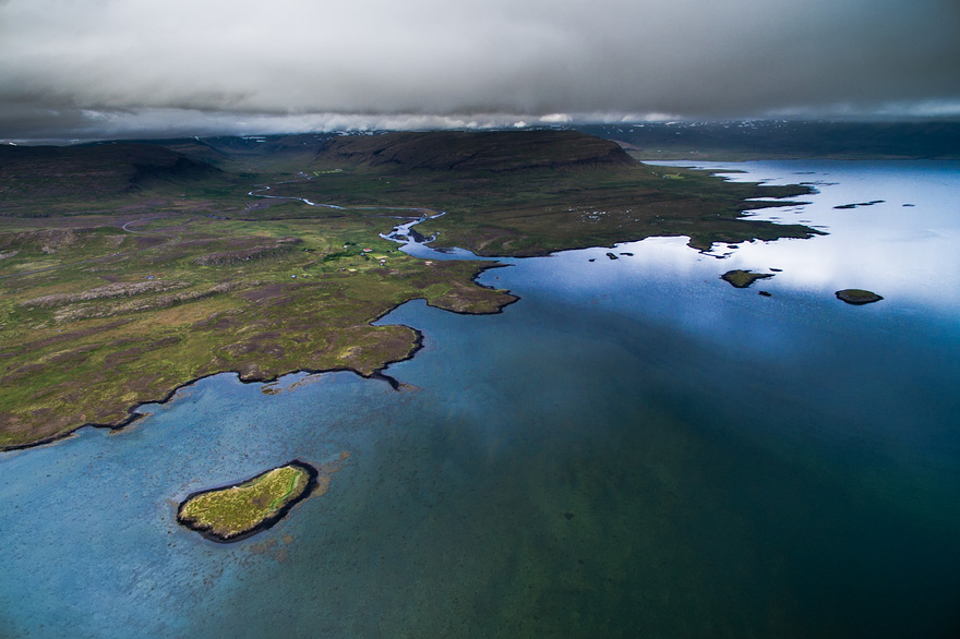 AD-Reasons-To-Visit-Iceland-With-A-Drone-05-1