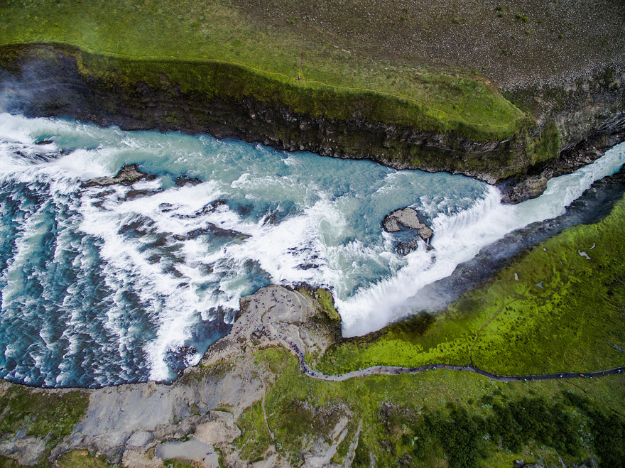 AD-Reasons-To-Visit-Iceland-With-A-Drone-07-1