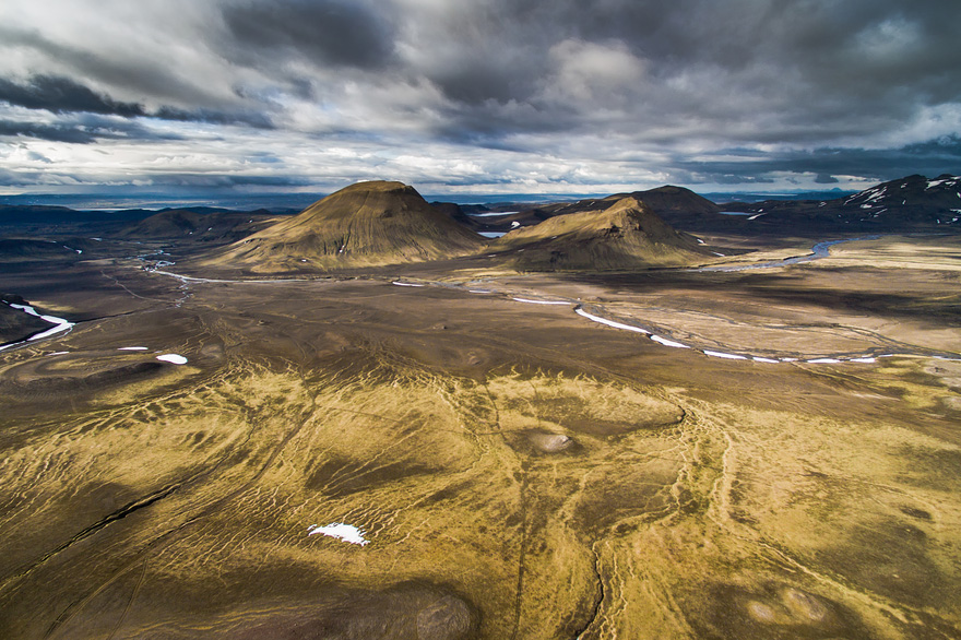 AD-Reasons-To-Visit-Iceland-With-A-Drone-08-1