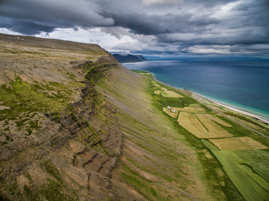 AD-Reasons-To-Visit-Iceland-With-A-Drone-11-1