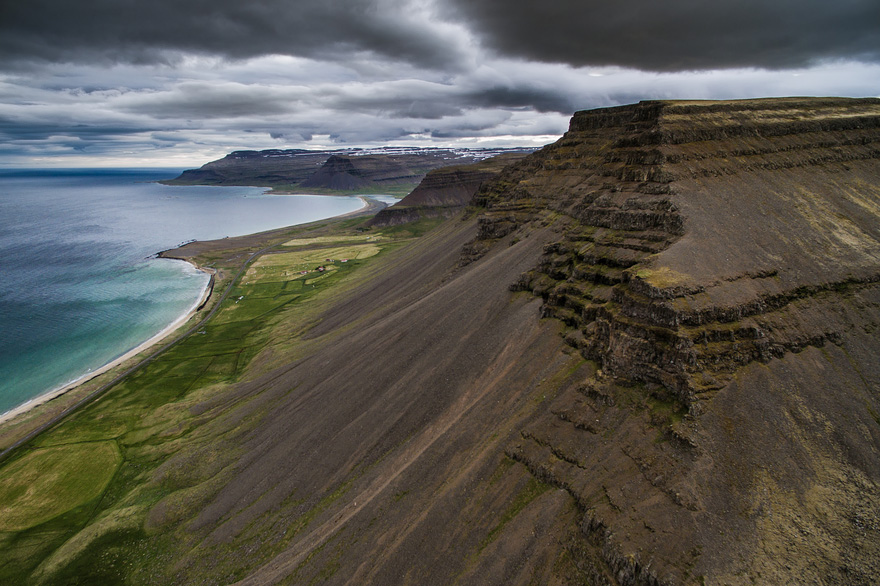 AD-Reasons-To-Visit-Iceland-With-A-Drone-11-2